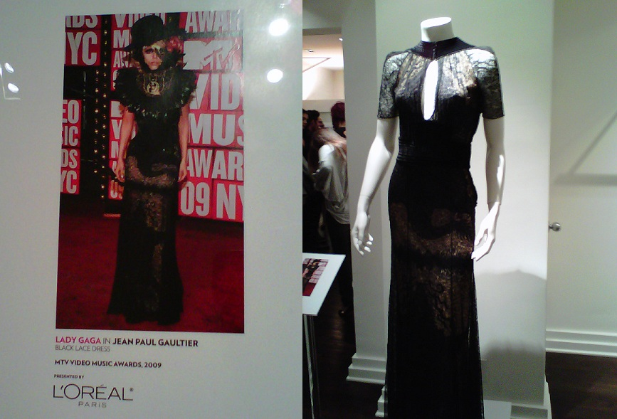 Lady Gaga's 2009 MTV Movie Awards dress