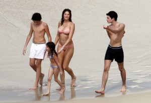 Peter+Brant+Jr+Stephanie+Seymour+Kids+Beach+etUgx4-OXyYl