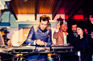 Mark Ronson Djing on the 1st floor balcony - Pic via Rolling Stone