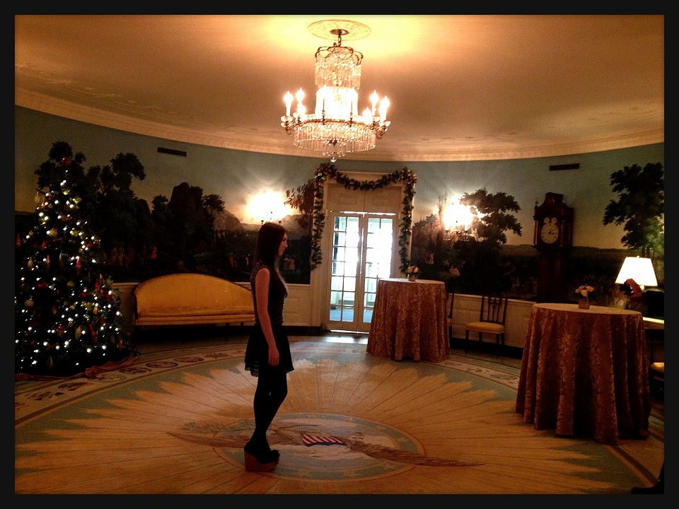 obama-christmas-party-2012-oval-office